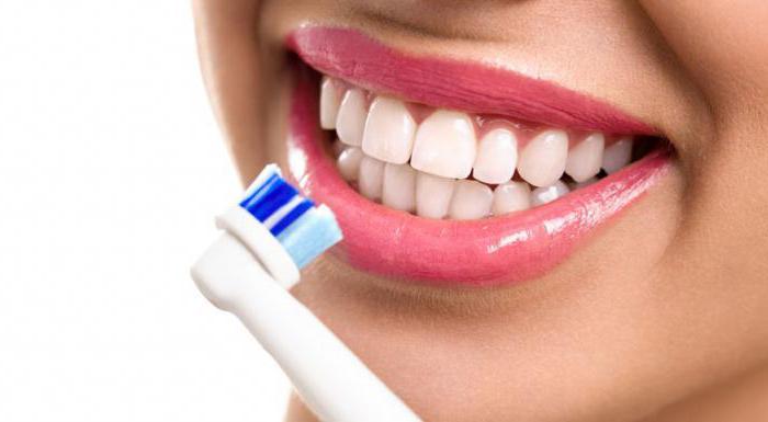 чому потрібно часто міняти зубну щітку