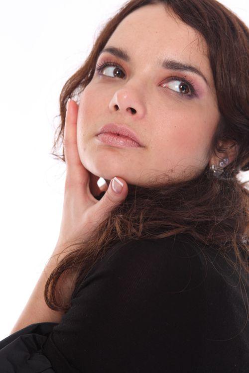 чому у жінки ростуть вуса