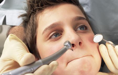 Поговоримо про те, як лікують зуби дітям