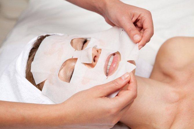 Користь і ефективність тканинних масок для обличчя