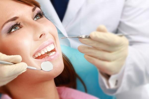 Після видалення зуба на яснах утворився наріст