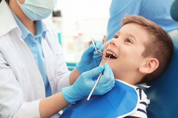 Причини скупченості зубів