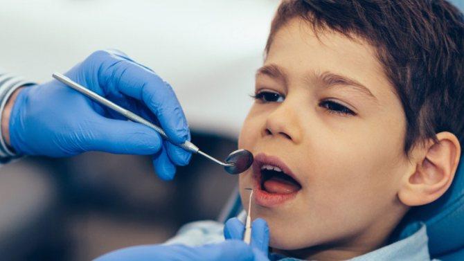 перевірка корінних зубів