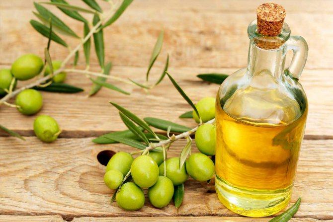 Регулярно використовуючи оливкова олія для особи, ваша шкіра придбає пружність, м'якість і еластичність
