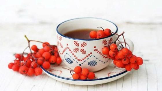 Горобиновий сечогінний чай для виведення рідини