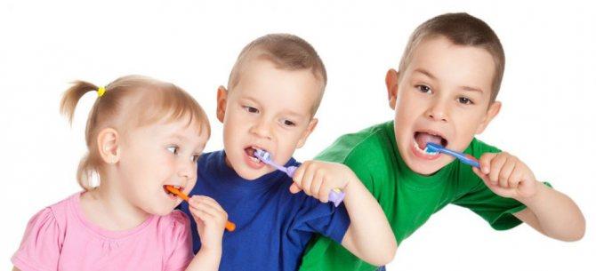 З раннього віку потрібно привчати дітей до гігієни порожнини рота