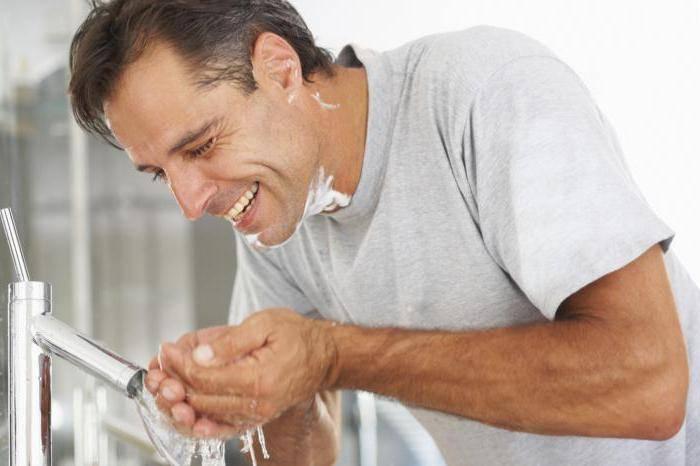 лущиться шкіра на обличчі у чоловіків