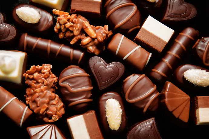 Шоколад і коричневий наліт на язиці