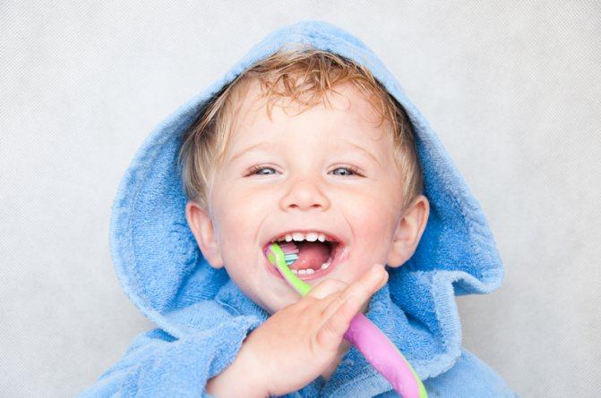 Скільки має бути зубів у дитини в 2 роки