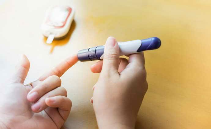 Поради людям з гіпертонією і діабетом