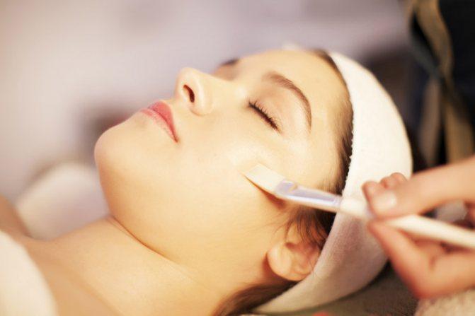 Догляд за обличчям після пілінгу кислотами