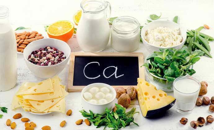 в раціоні повинні обов'язково бути присутніми продукти з підвищеною концентрацією кальцію