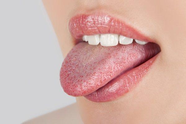 Виразки на мові: збоку, під язиком, на кінчику - Причини виникнення, ніж лікувати болячки