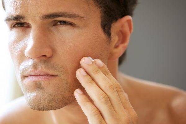 жирна шкіра обличчя у чоловіків