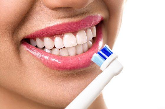 Зубна щітка - масажер